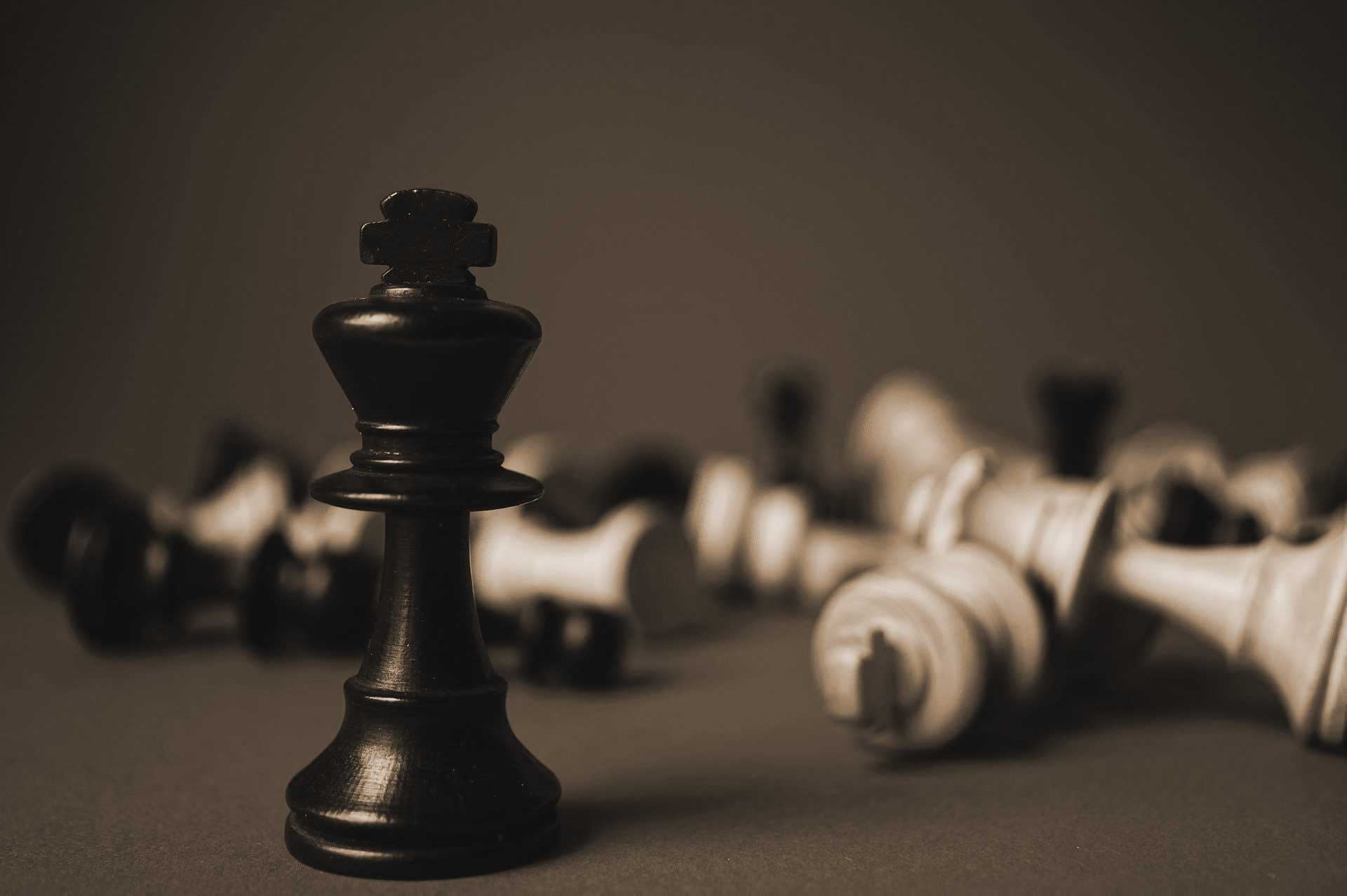 3 types of competitive strategies